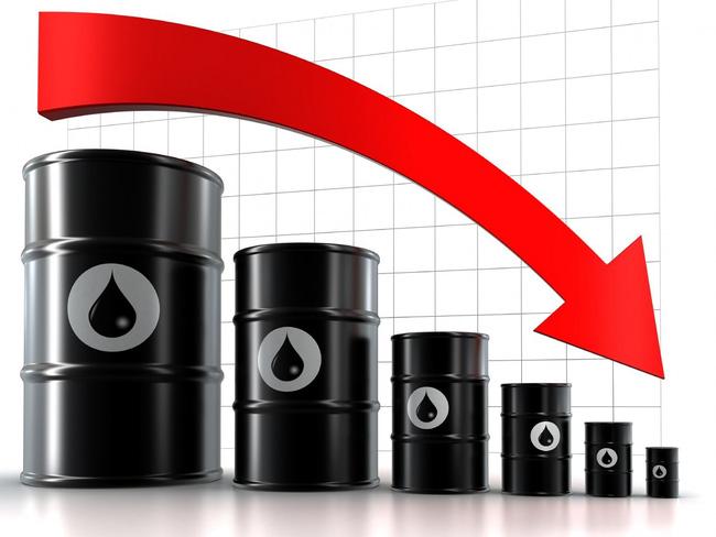 Một loạt các thông tin tiêu cực khiến giá dầu sụt giảm thêm hơn 3%