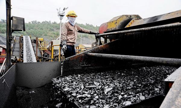Sau quý 3 lỗ nặng, có nên tiếp tục đầu tư vào quặng sắt?