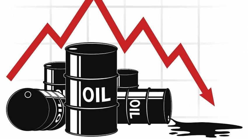 Hợp đồng dầu bị bán tháo khi hàng loạt các yếu tố tiêu cực gây áp lực lên giá