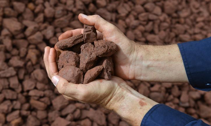 Liên tục trồi sụt cực mạnh, tương lai giá quặng sắt sẽ ra sao?