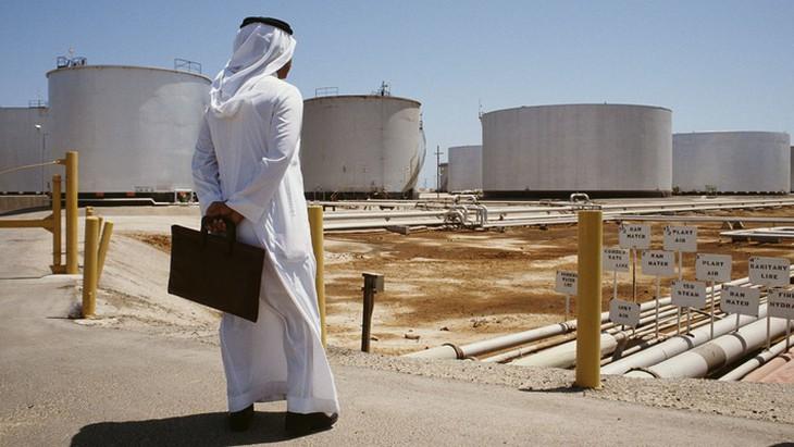 Saudi Arabia giảm sâu giá hợp đồng dầu thô đối với khách hàng châu Á