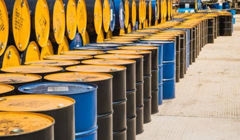 Giá dầu chững lại chờ đợi báo cáo tồn kho dầu thô Mỹ từ EIA