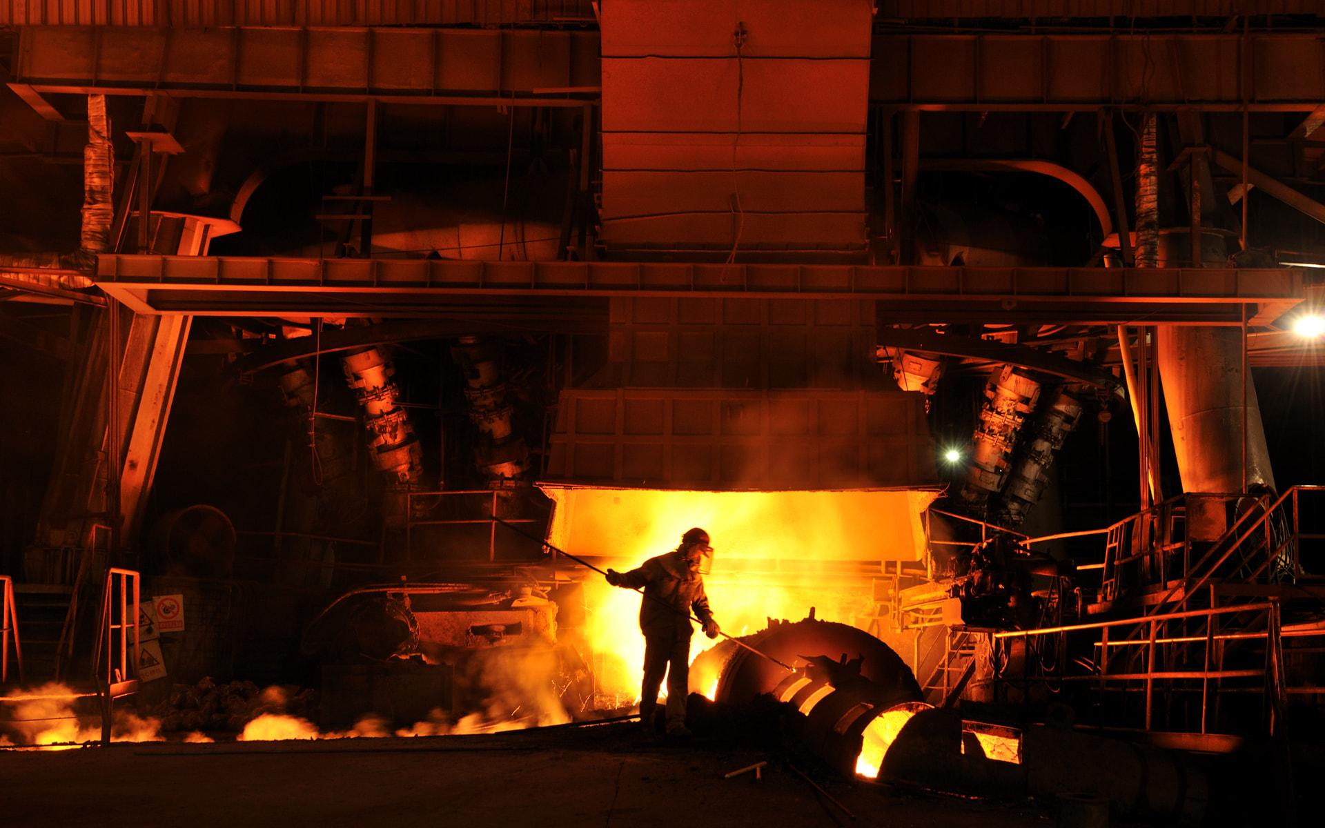 Giá quặng sắt tăng vọt khi dòng vốn của các nhà đầu tư Trung Quốc quay lại thị trường
